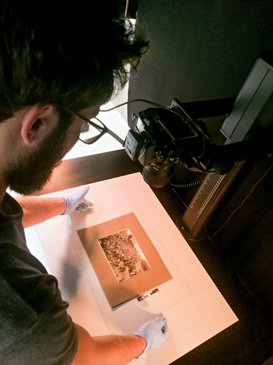 Digitization of a mounted print