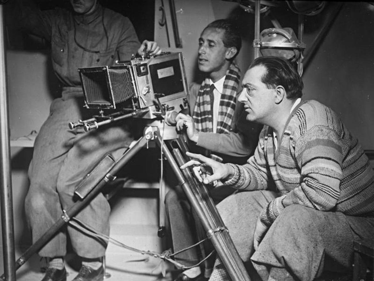 Fritz Lang shooting Women in the Moon