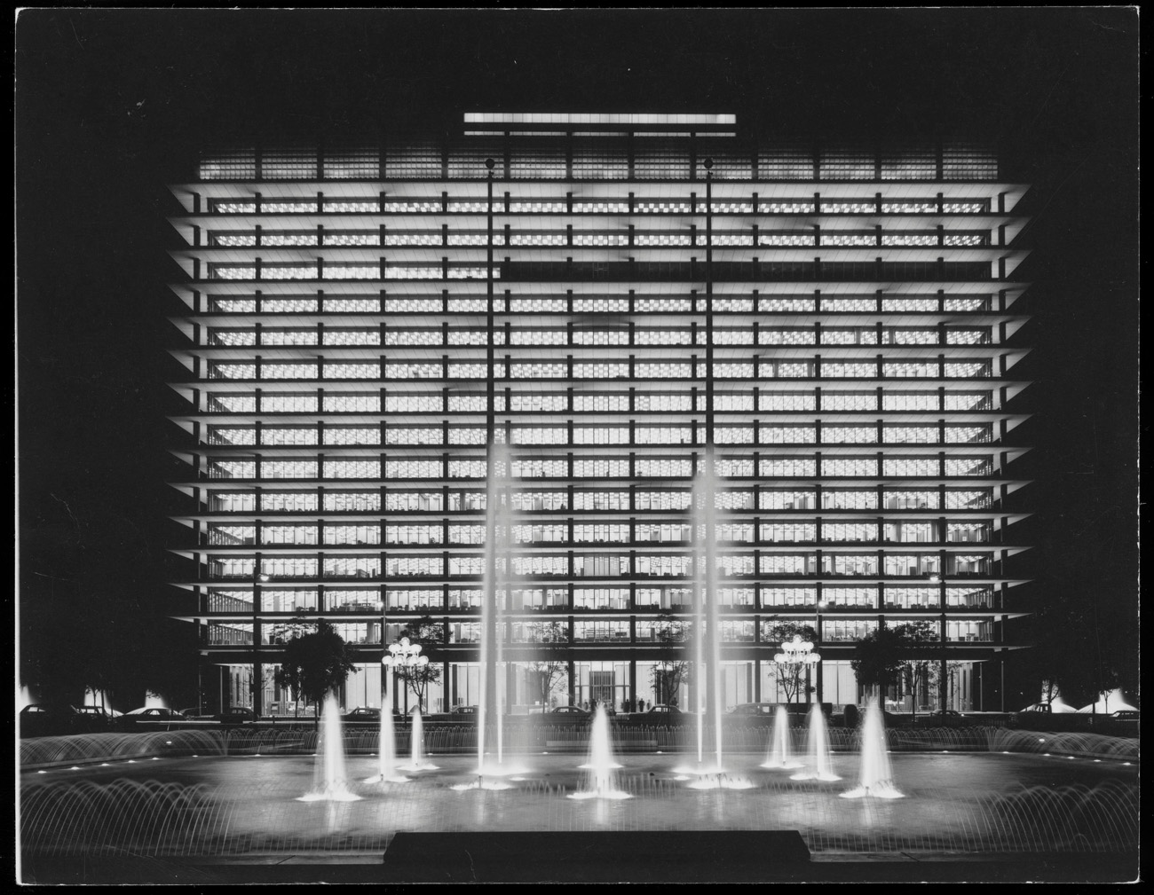 Headquarters of L.A.'s Department of Water and Power / Shulman