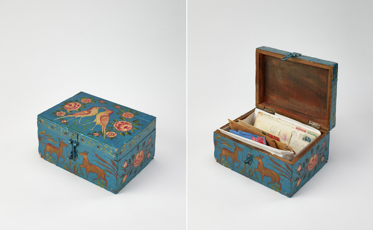 Painted wood box / Wilson
