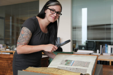 Comparative Study Underway on Illuminated Copies of the Medieval <em>Mirror of History</em>