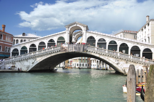 Why Views of Venice's Rialto Bridge Look So Familiar