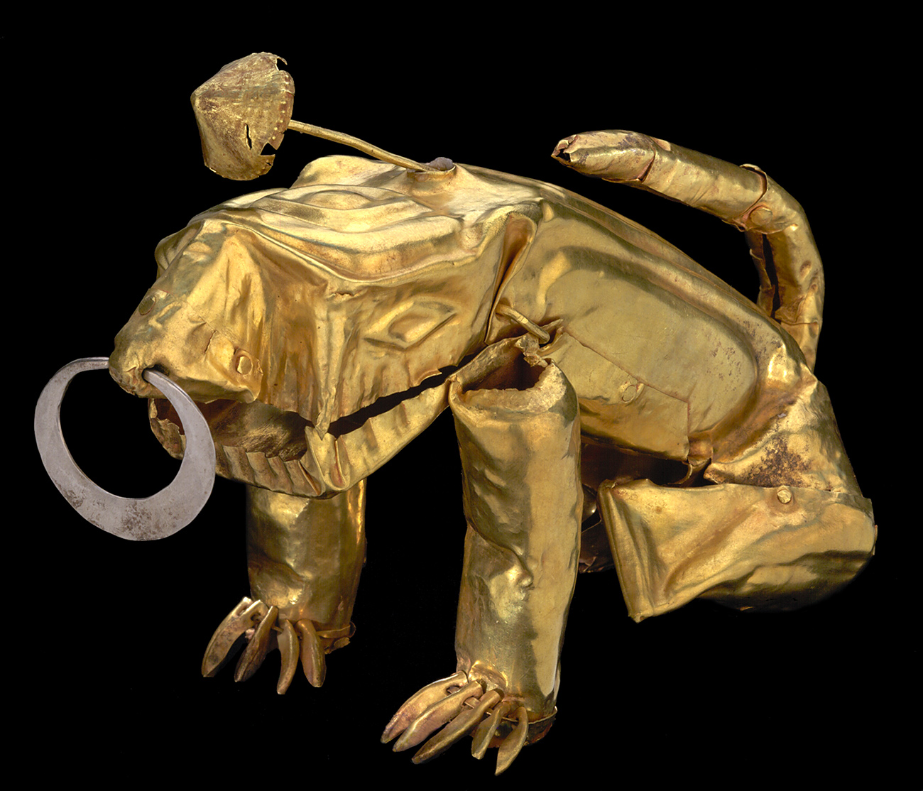 Gold metalwork in the shape of a jaguar