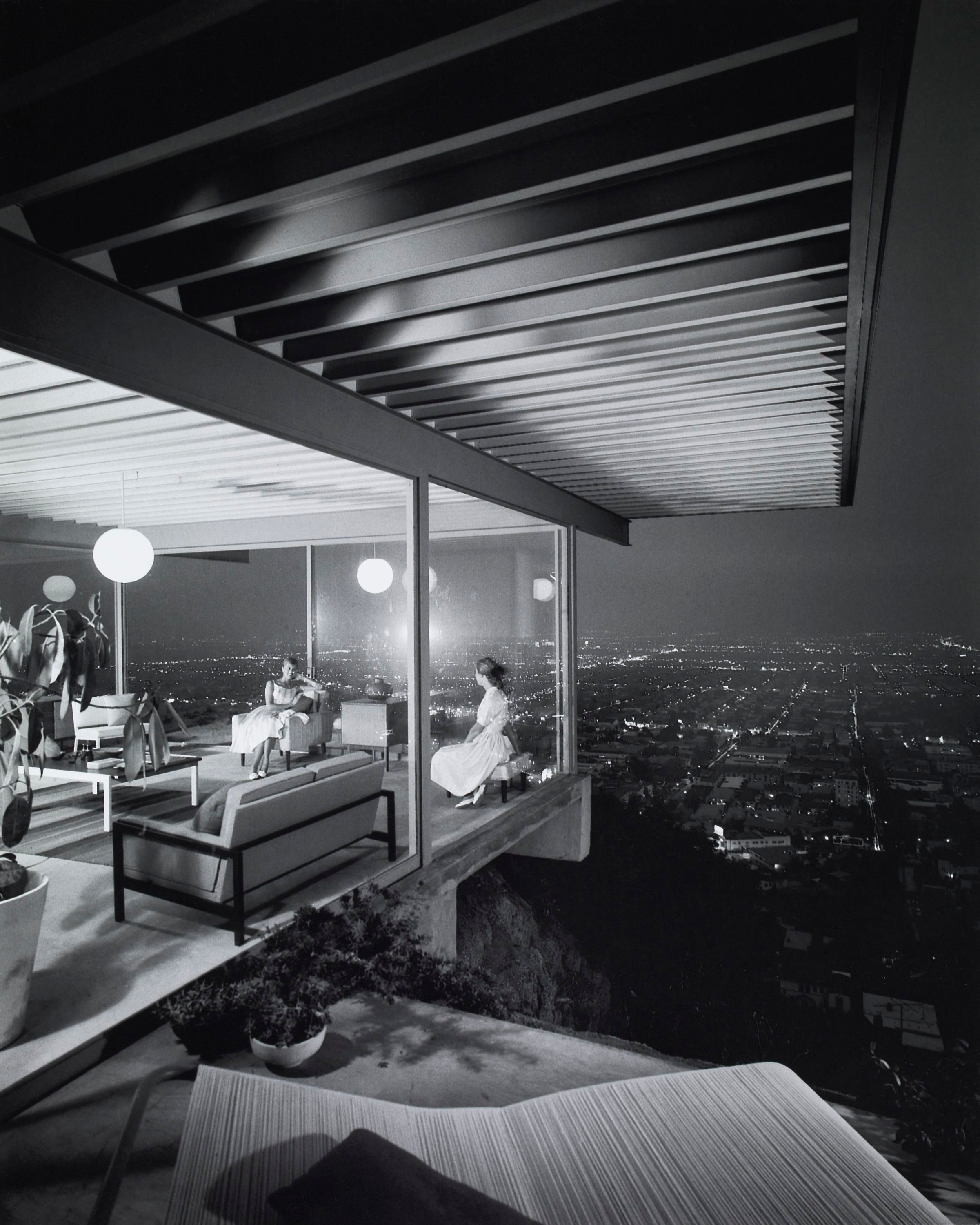 Case Study House No. 22, 1960, Julius Shulman. The Getty Research Institute, 2004.R.10. © J. Paul Getty Trust