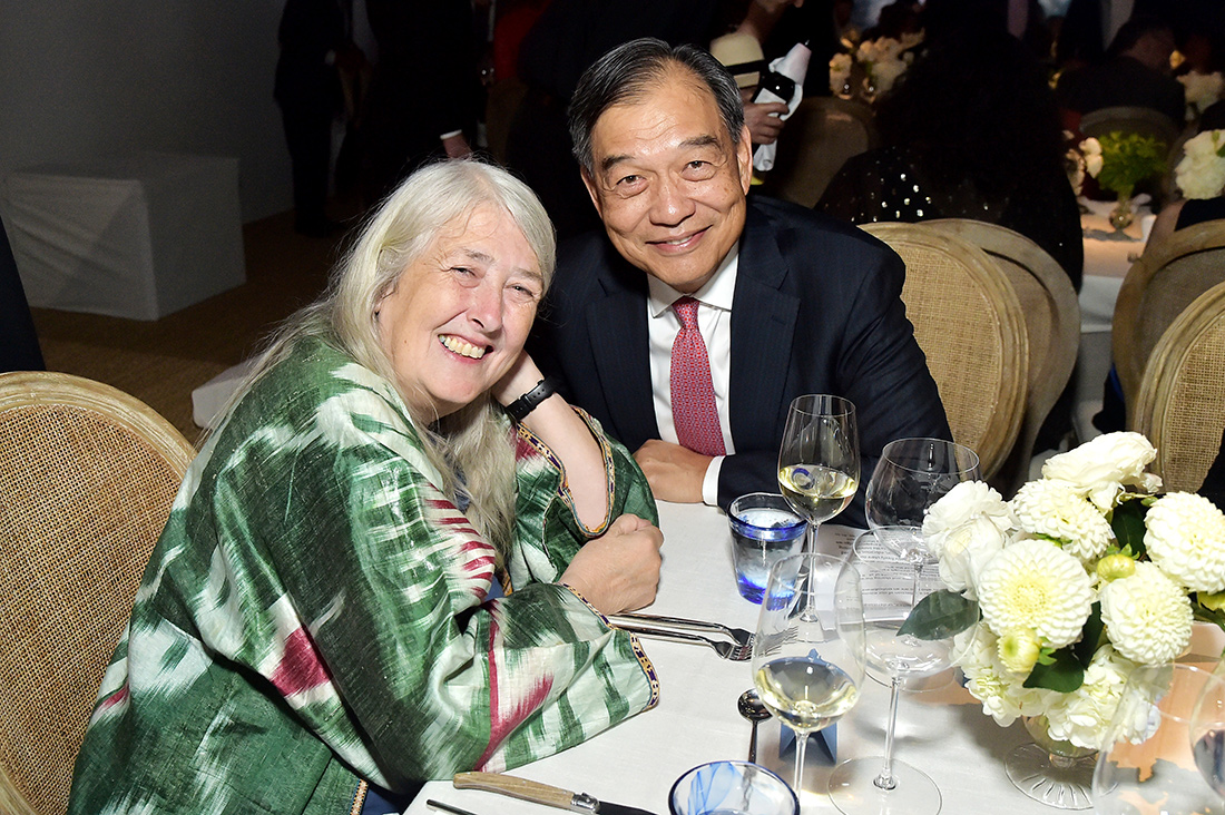 Mary Beard with David Lee, chair of the Getty board of trustees