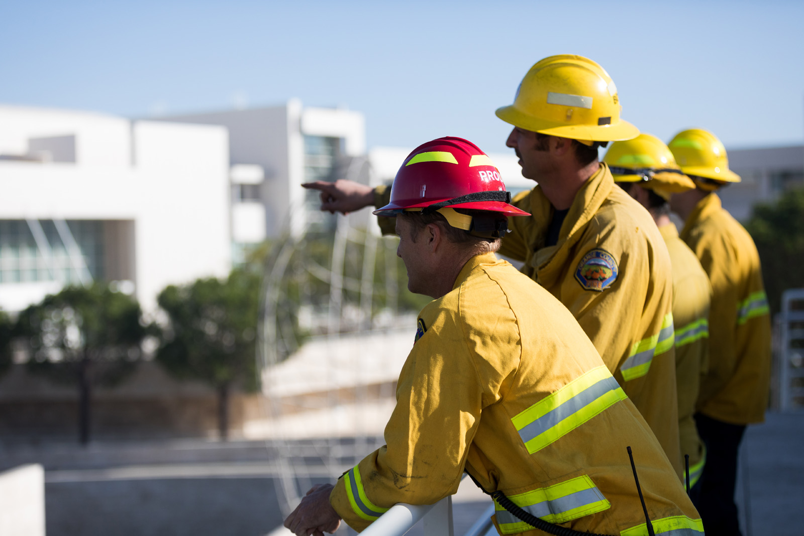 A fire broke out in western Los Angeles near the Getty Center overnight into Monday. The Getty Center was safe from the flames, thanks to efforts of first responders.