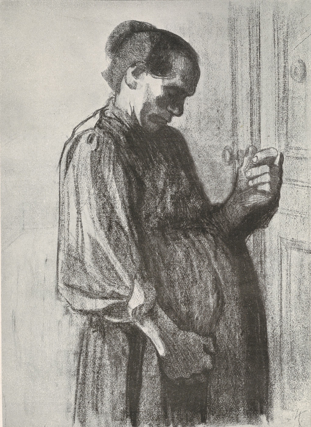 A pregnant woman knocks on a door